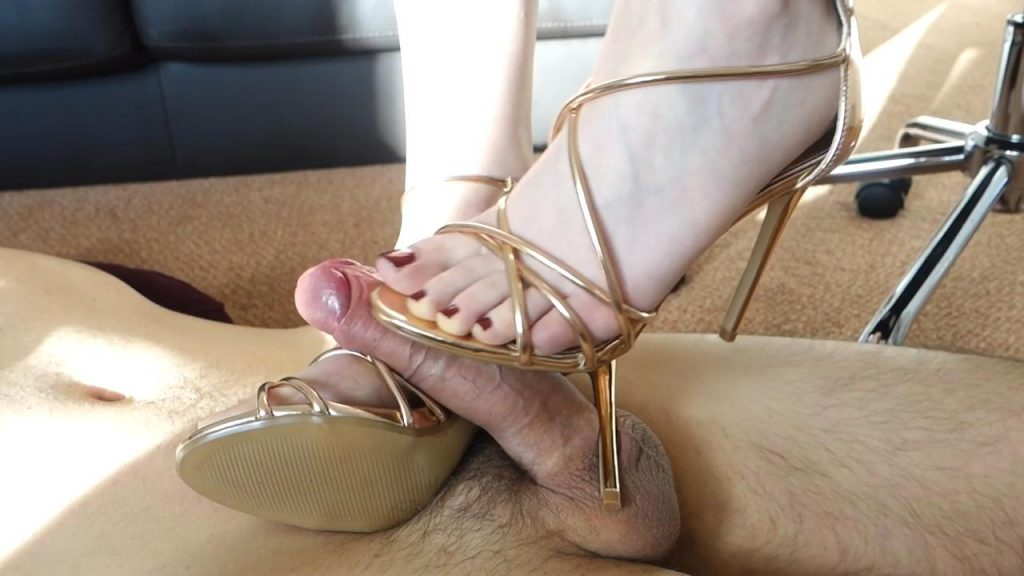 Perfect Strappy Sandal Shoejob – Shiny Shoejobs