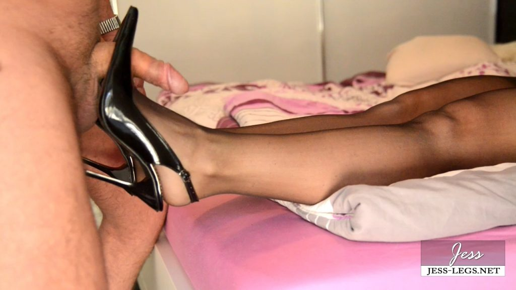 First Class Shoejob – Jess-Legs
