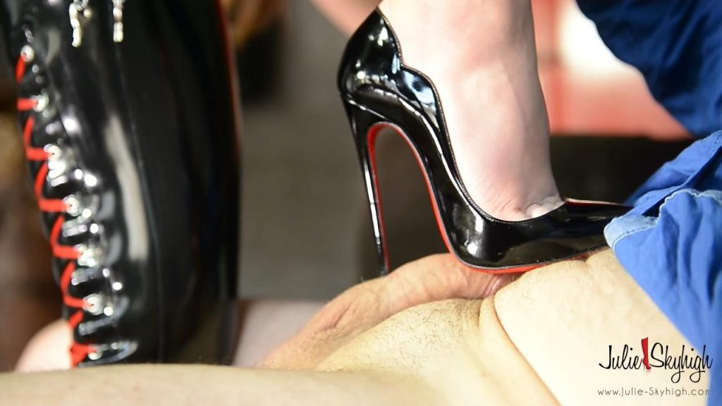 Hooker is always the mistress – Julie Skyhigh
