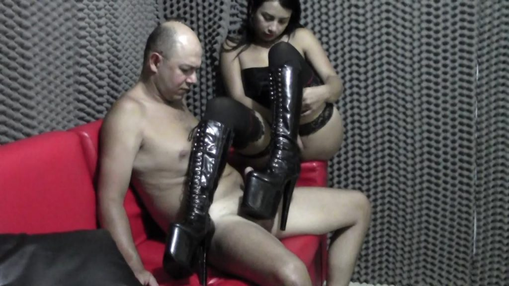 Coming In Domina Boots – Latin Domination Goddesses