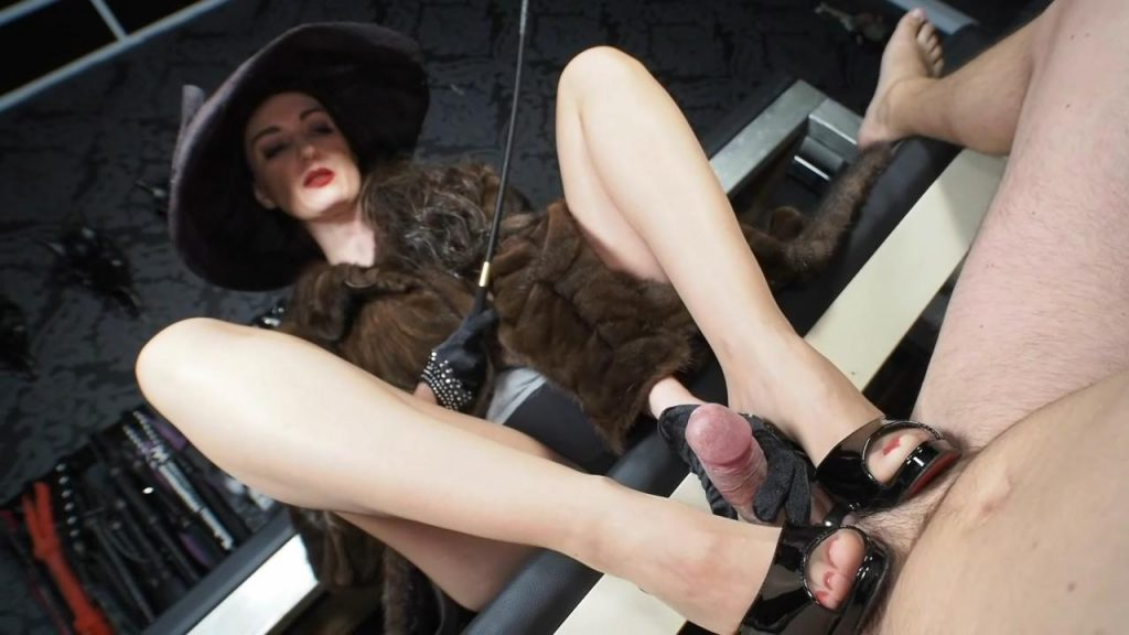 Rich Furs Lady With Hat cock Tease And Shoejob Handjob With Satin Gloves