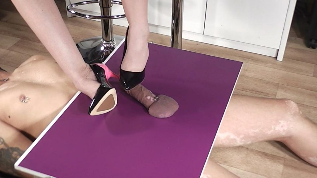 Lady Latisha Extreme Heel Insertion Clip 2