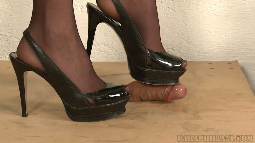Hot Blonde Shoejob – Paraphilia51