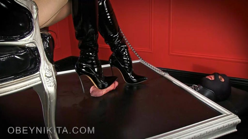 Shiny Black Boots – Heel Slut