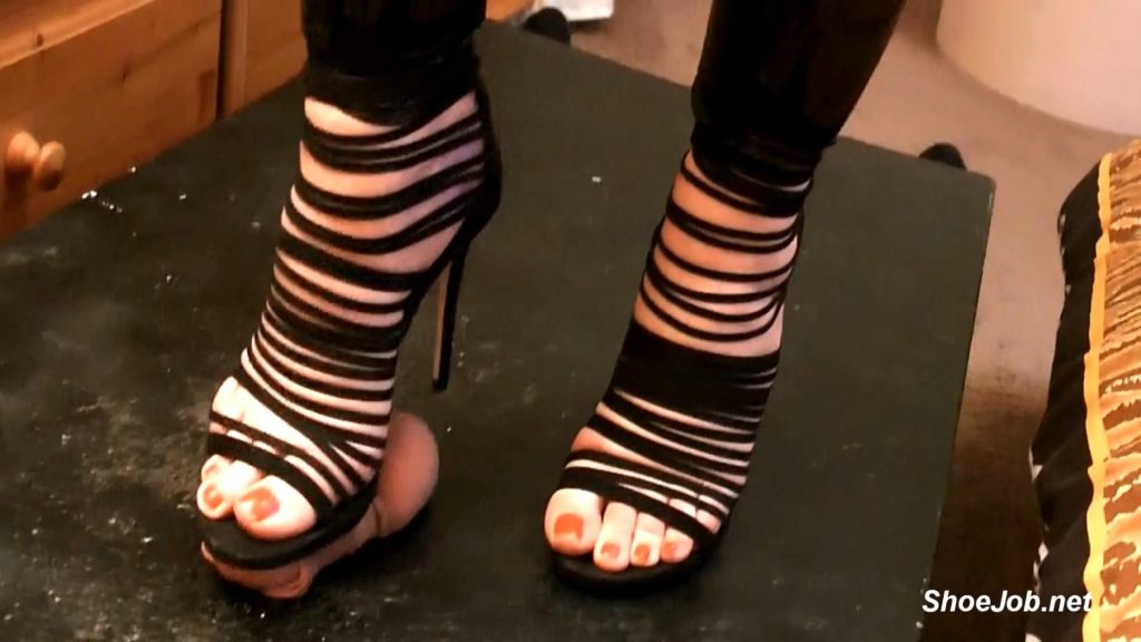 New Look Sandals On Trample Table – Bound and Milked