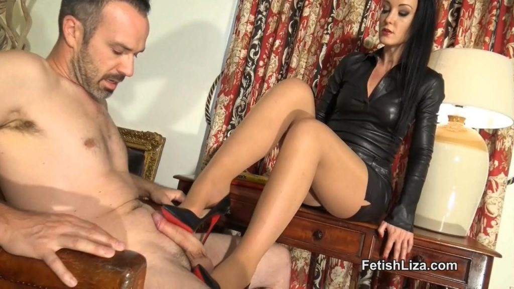 Office Boy Cums On Sokate Heels – Fetish Liza
