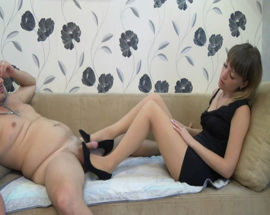 The Reward: Shoejob On A Sofa – Natali's Burning Passionate Panther