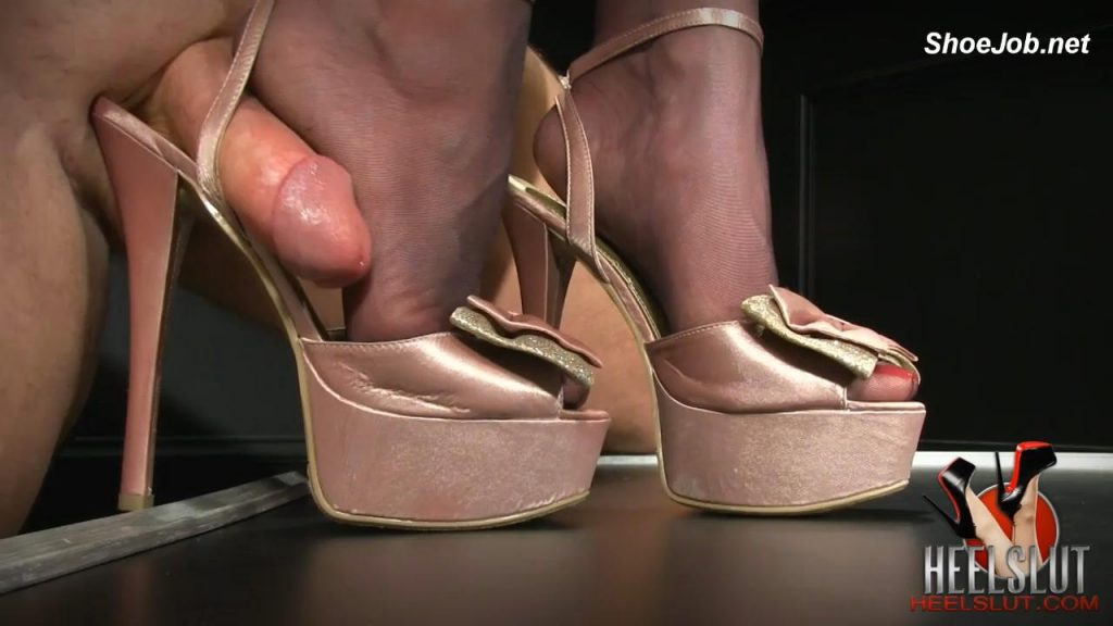 Fuck Her Soles and Pretty Bows – Heel Slut