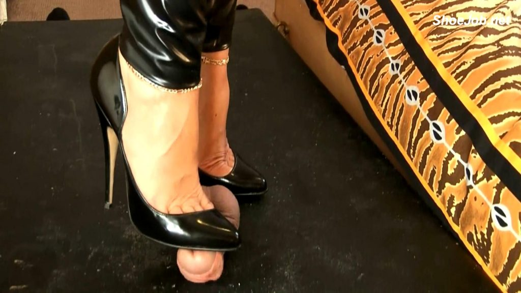 Latex On Trample Table – Bound and Milked