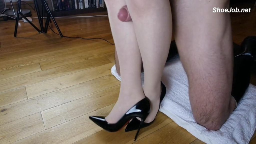Stocking Leg Fucking – Shiny Shoejobs