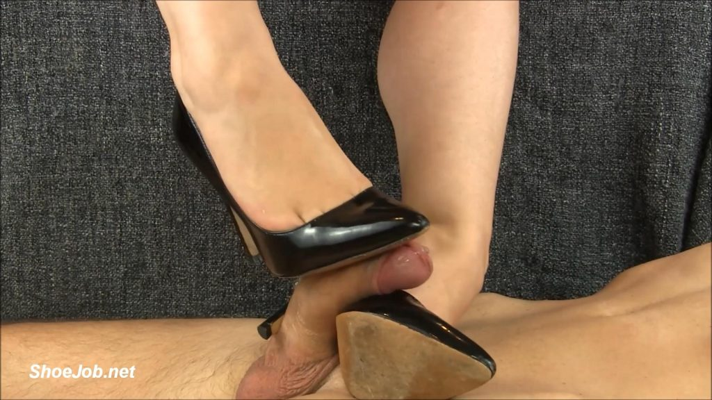 Black Stiletto Shoejob – Shiny Shoejobs