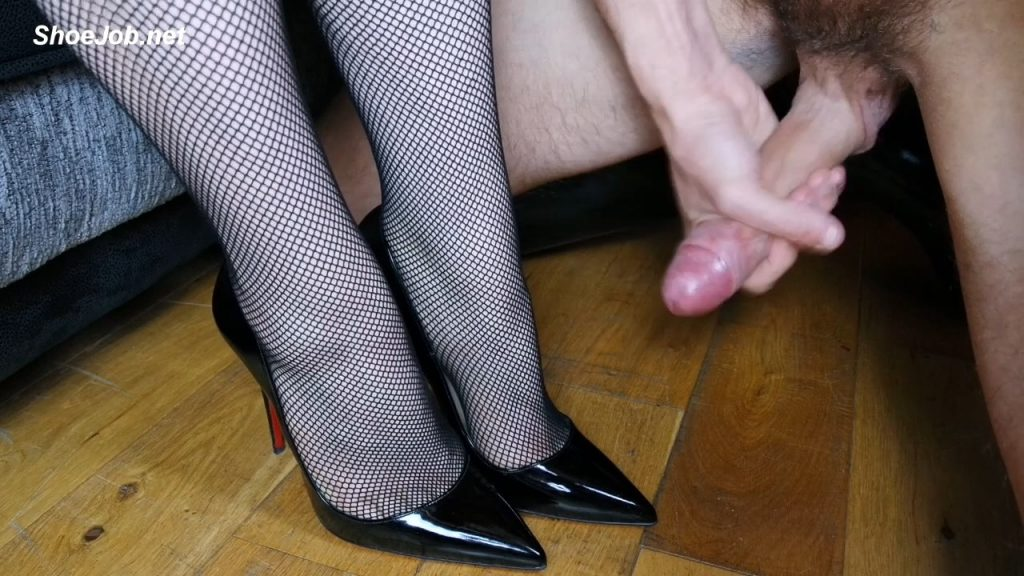 Louboutin Fishnet Masturbation – Shiny Shoejobs