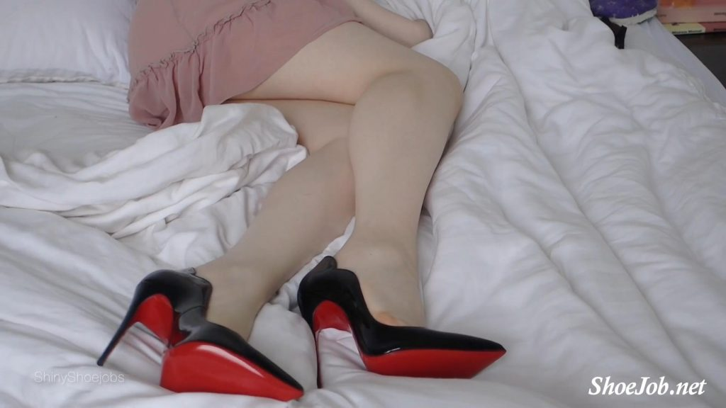 Louboutin Hot Chick Fantasy – Shiny Shoejobs