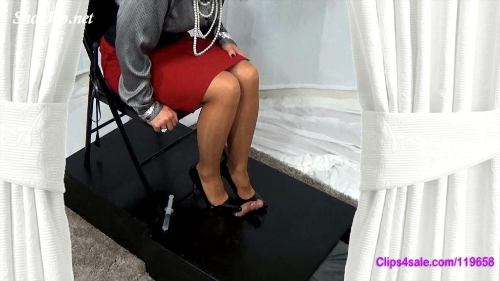 Cum Under Mommy's Heels – Forced By Mommy