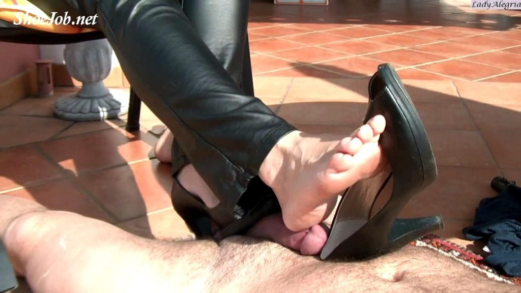 Dangling In Black Pumps – Lady Alegria`s Footfetish