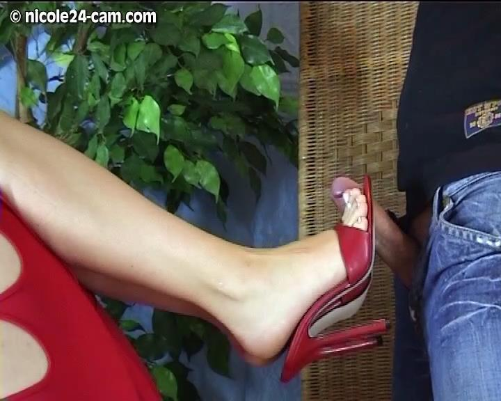 Shoejob Video 9 – Nicole24