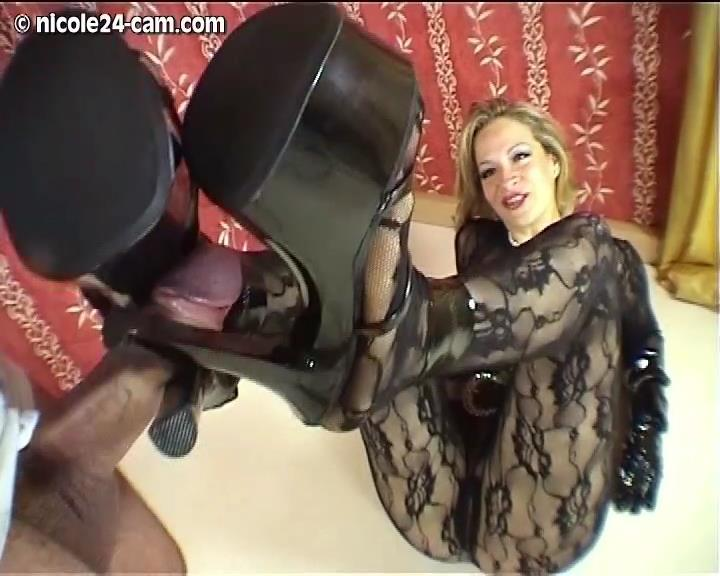 Shoejob Video 10 – Nicole24