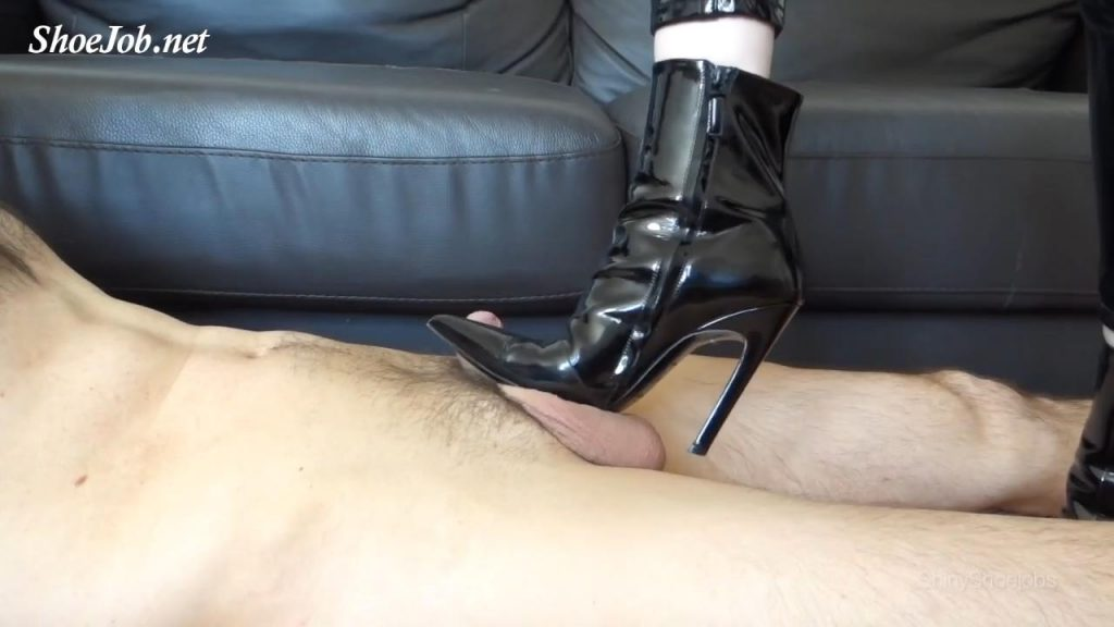 Cum On My Boots – Shiny Shoejobs