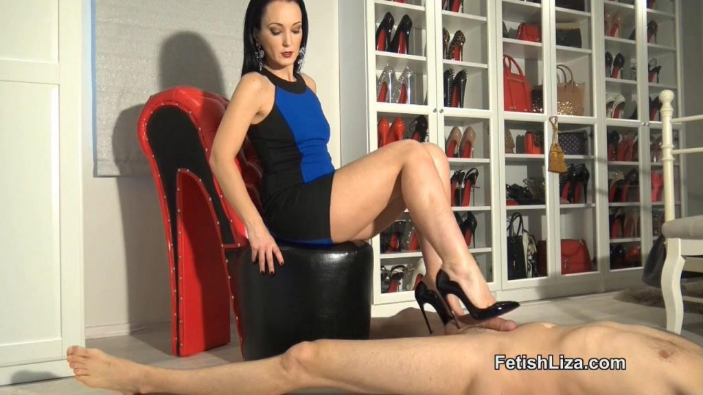 Hot Chick Shoejob Pov – Fetish Liza