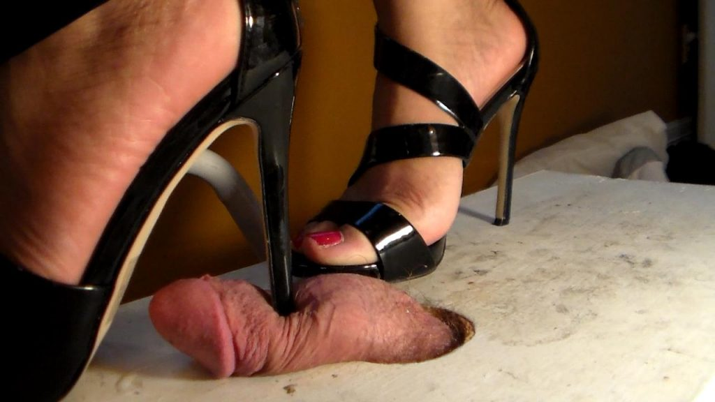 Very sexy Tara giving sexy shoejob! Blowing huge load under her heels