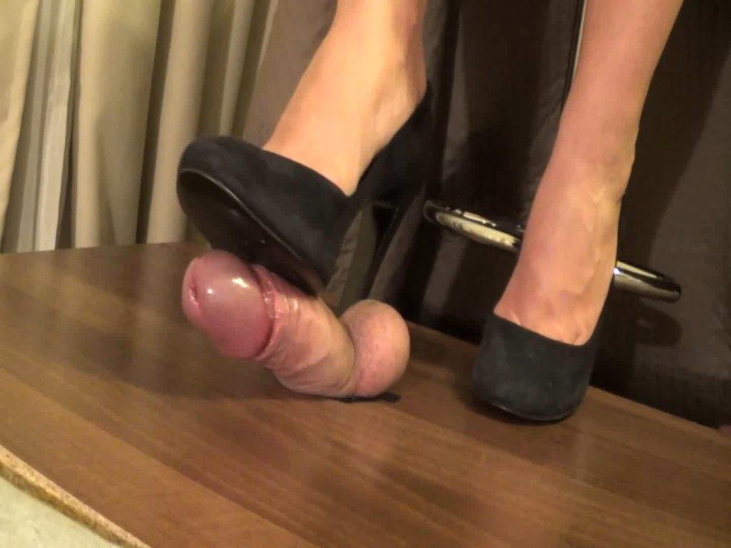 Shoejob with Richmond suede black shoes – Monica