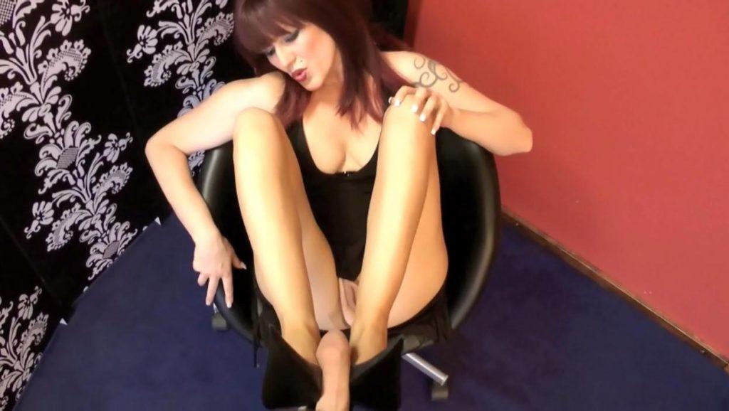Cum In Heels – NylonSlut
