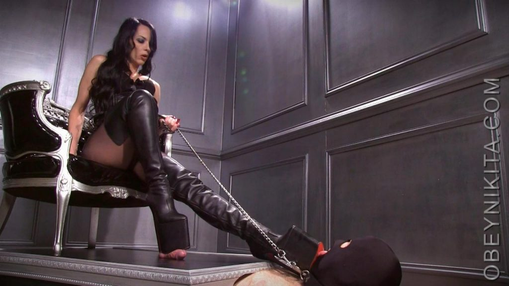 Platform Boot Whore – Mistress Nikita