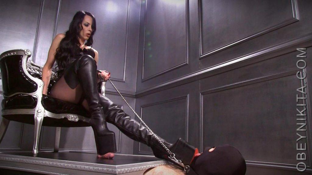 Platform Boot Whore – Mistress Nikita