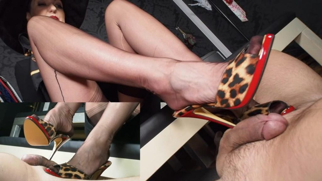 Splitscreen Clip: RPG: Rich Lady with hat tease & denial leather paddle and extreme High Heels cum feeding game – German Femdom Lady Victoria Valente
