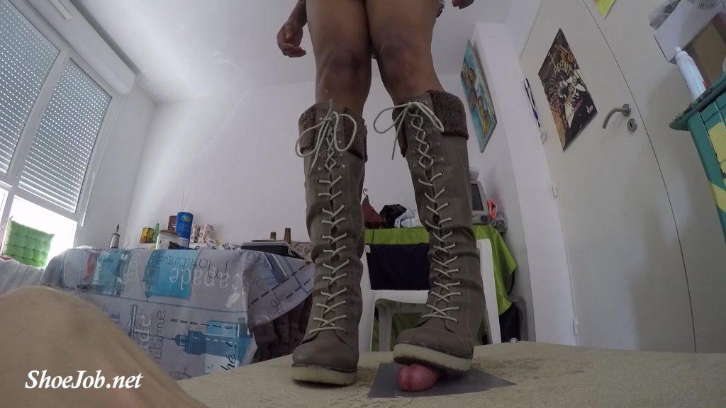 Time To Masturbate Througt Cock Box – Boyfriend Become Bootsslave