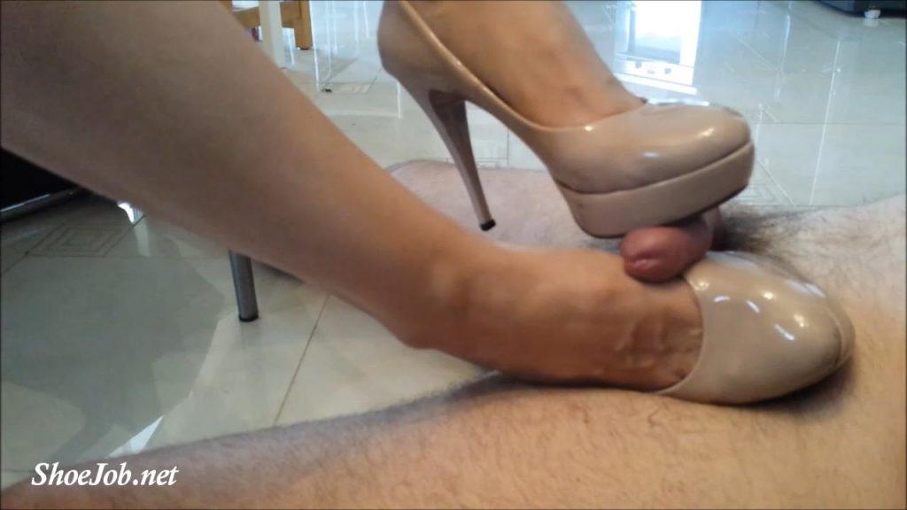 Her Favorite Heels! – Shoejob Desires