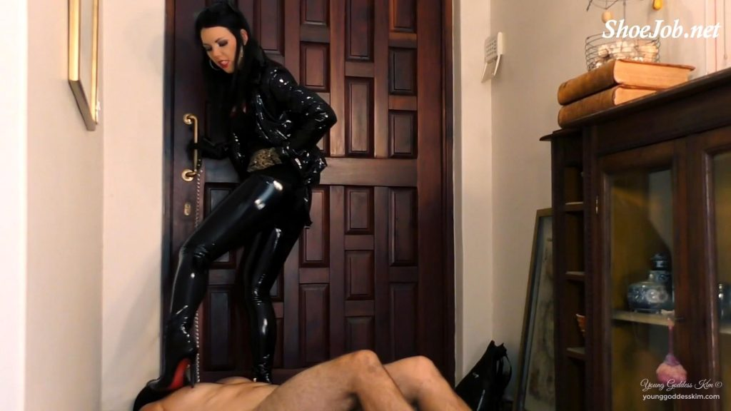 Doormat In Chastity – Young Goddess Kim