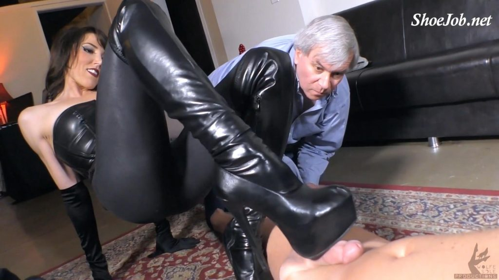 Making Daddy Suck Cum Off My Heels – The Wolfe Sole Experience