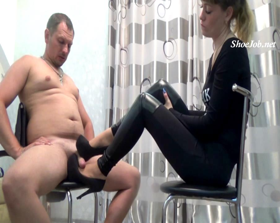 The Boss And Her Employee : Office Shoejob 1 – Natali's Burning Passionate Panther