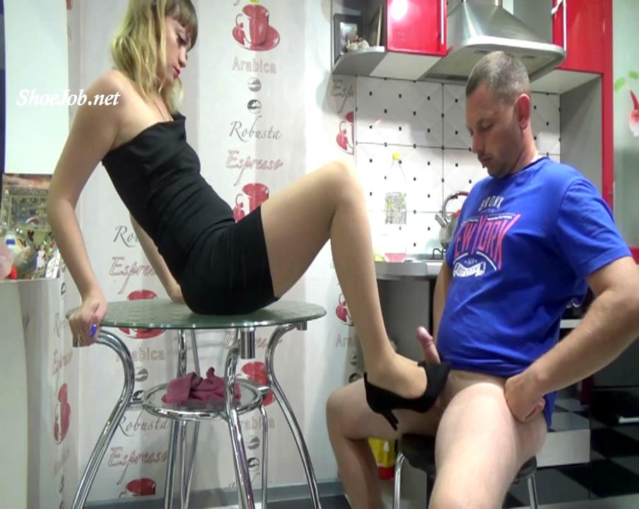 The Boss And Her Employee : Office Shoejob 2 – Natali's Burning Passionate Panther