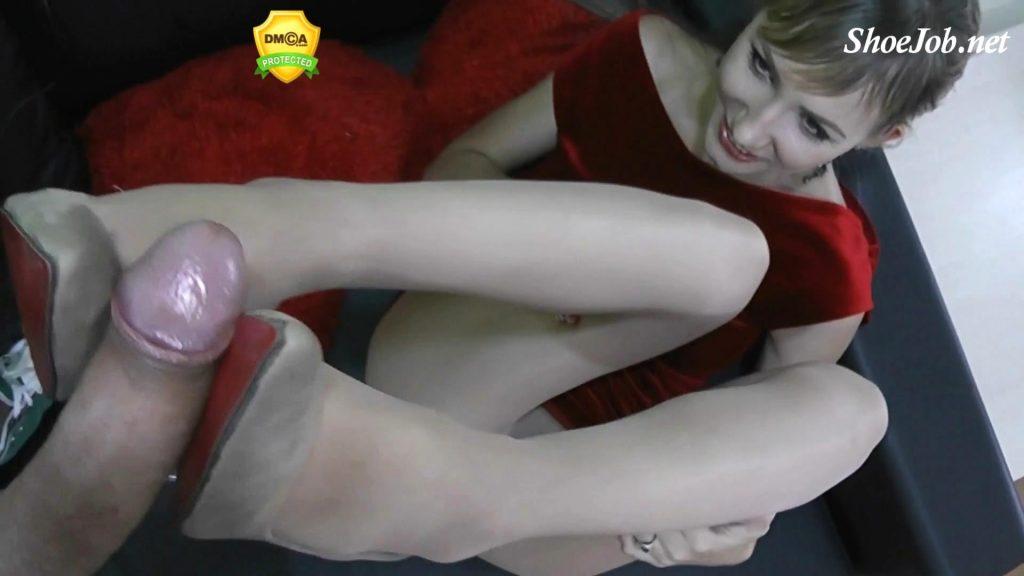 185 Super Mega Cumshot On My Shoes – Angel The Dreamgirl